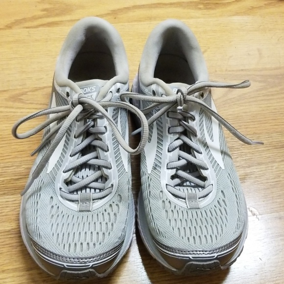b5e5cf0b6b95e Brooks Shoes - Brooks Ghost 10 Women s 7.5 medium width